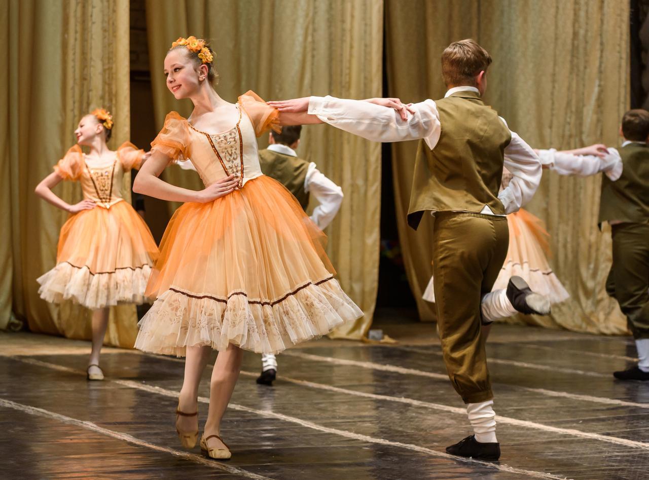 Историко-бытовой танец