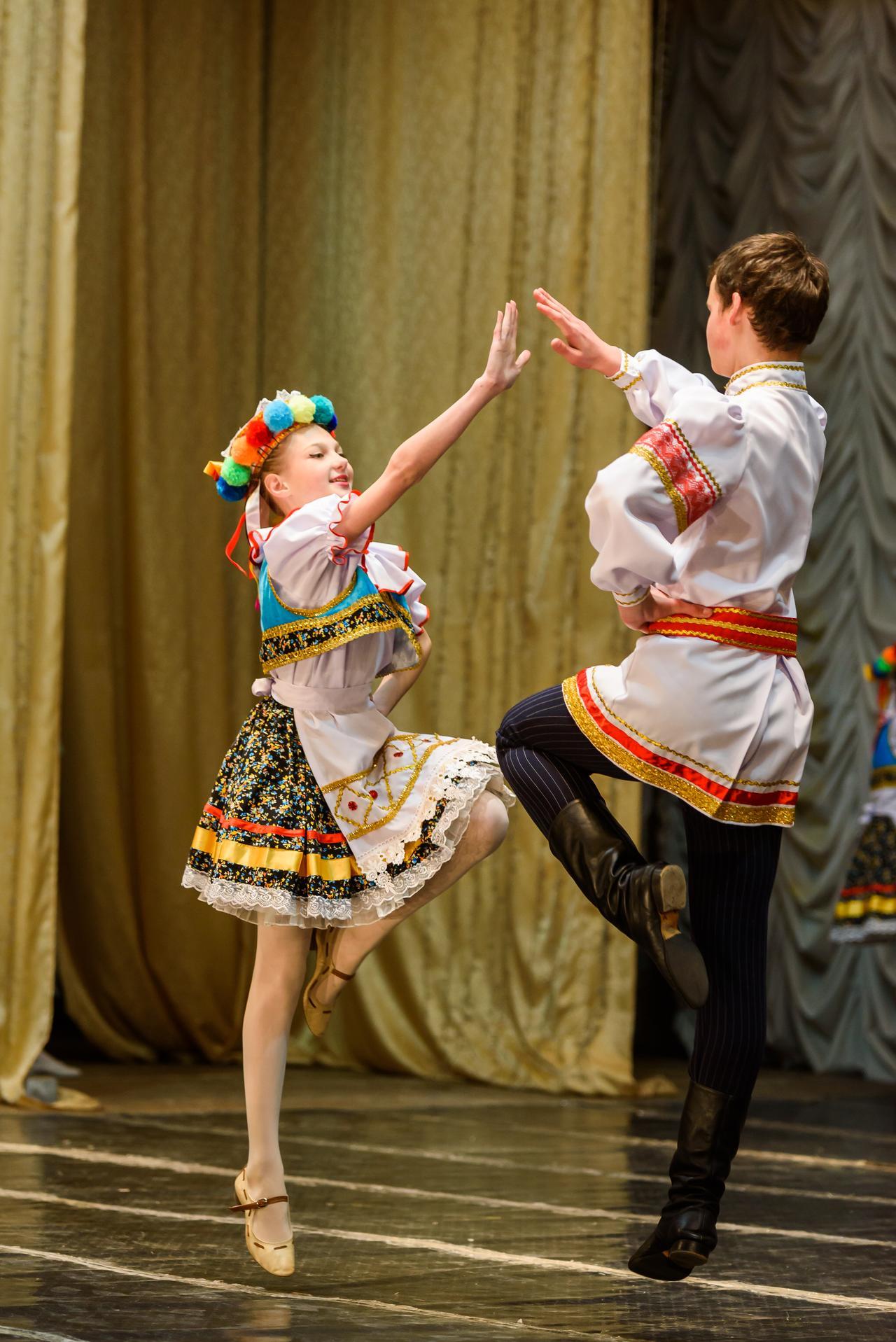 Народно-сценический танец